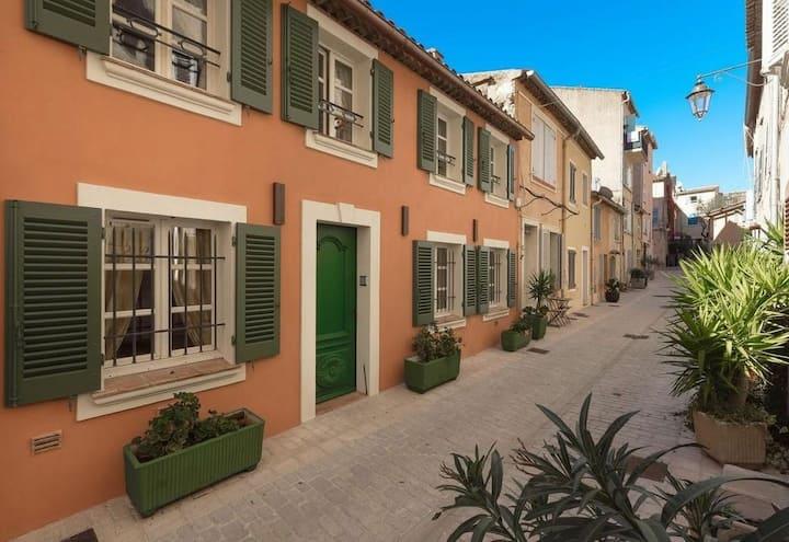 Villa à Saint-Tropez dans village 45 km de Cannes