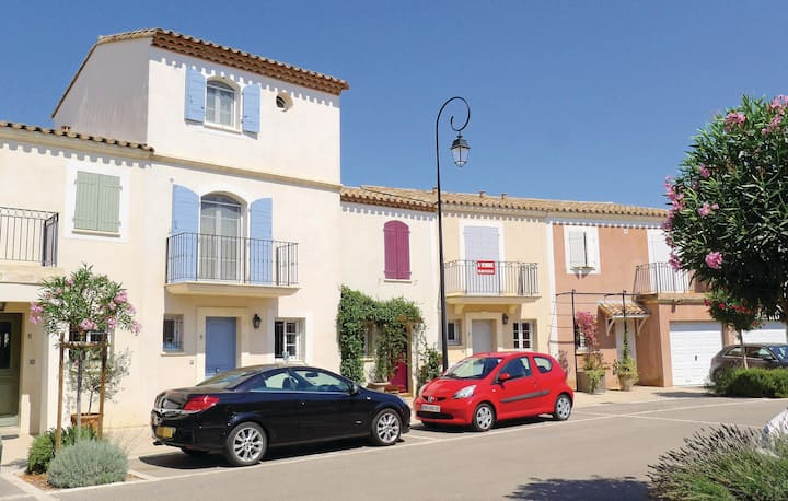 Nice home in Aigues-Mortes with WiFi and 3 Bedrooms