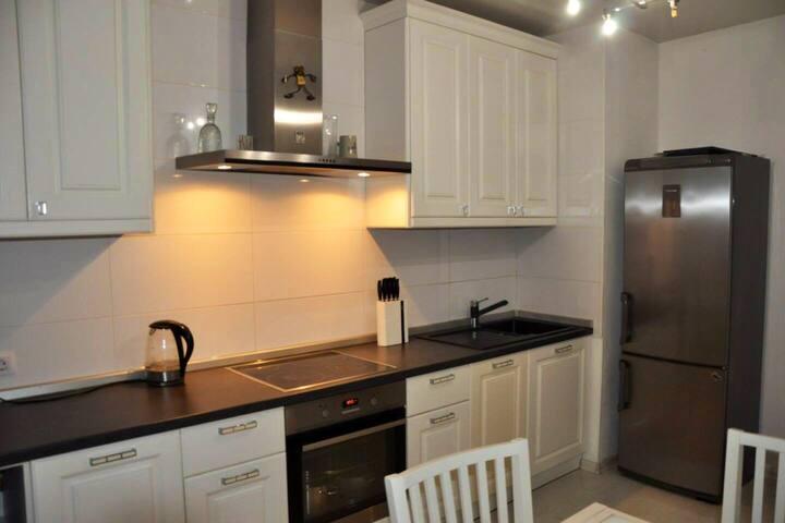 Уютная Квартира 3 комнаты 100м лучший район города