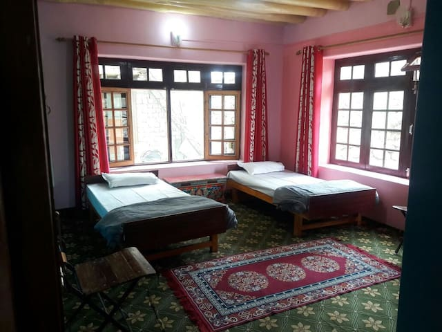 Sering Rele Homestay: clean and peaceful
