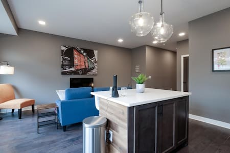 Brand New Luxury Condo Minutes from Downtown C2