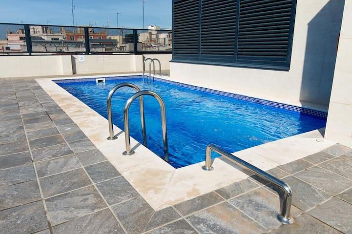 2 Bedroom Flat in Rambla with Rooftop Pool - Barcelona - Huoneisto