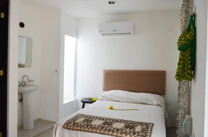 One Bedroom Studio near hotel zone / Depto estudio
