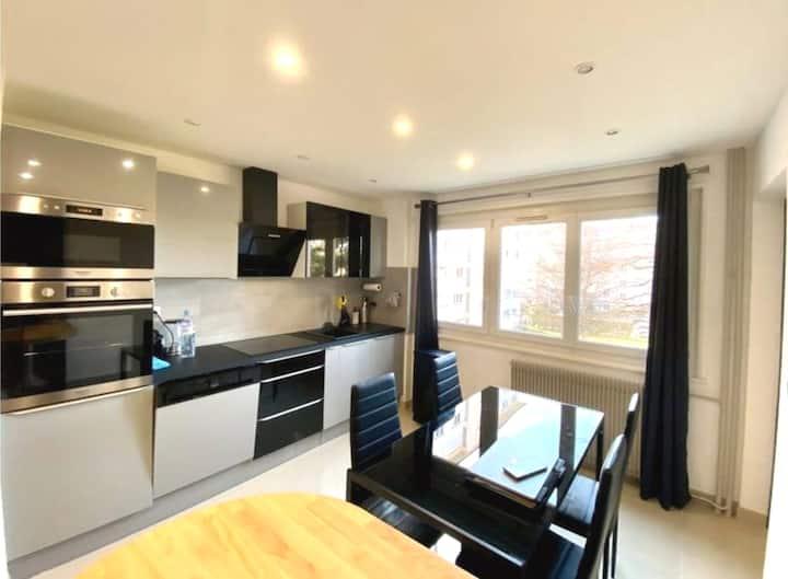 T4 appartement CHAMBRE 1 PRIVEE LIT DOUBLE
