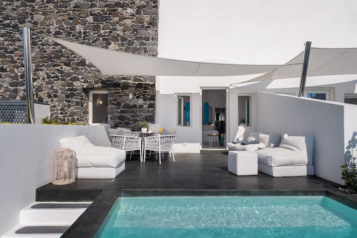 Two Bedroom Sunset Suite with Heated Plunge Pool