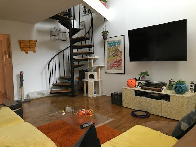 Unique Loft with arcade