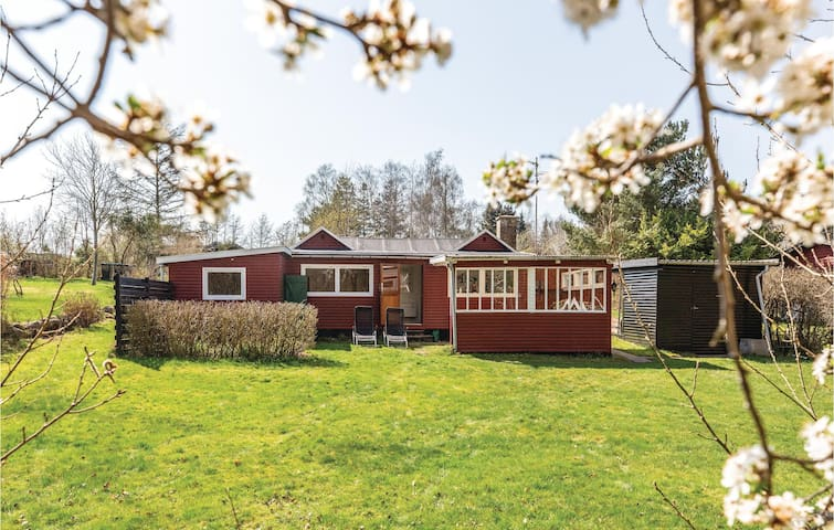 Holiday cottage with 1 bedroom on 51m² in Holbæk
