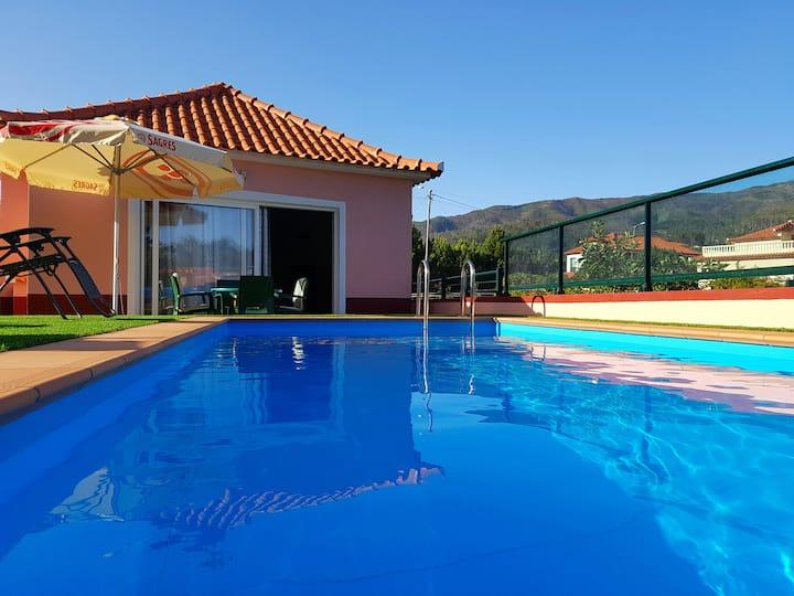 Paradise in Prazeres Private Heated Pool - Calheta