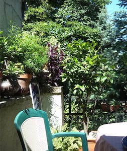 Unique attic flat in downtown suburbia -3 bedrooms - Budapest