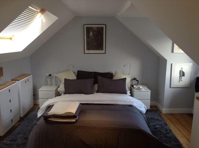Hideaway Attic Room in Innerleithen - Innerleithen - Casa
