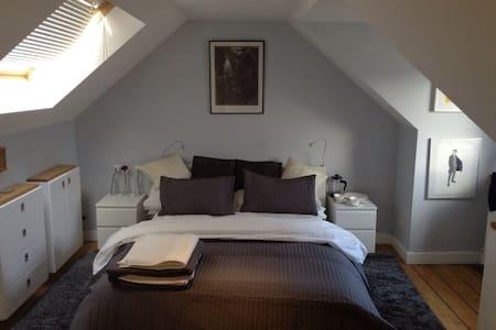 Elegant attic room in Innerleithen