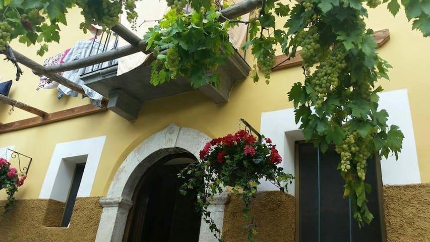Introdacqua, Abruzzo