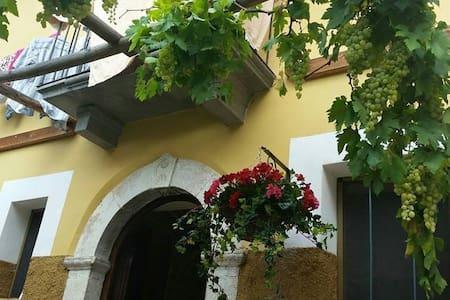 Introdacqua, Abruzzo - Introdacqua - Departamento