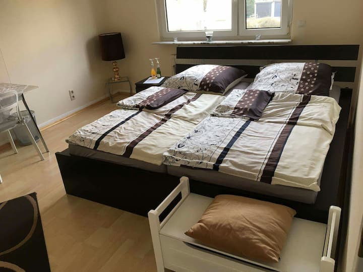 KINGSIZE Bedroom - TOP located