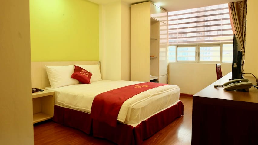 Cozy spacious hotel room near Cau Giay Park (302)