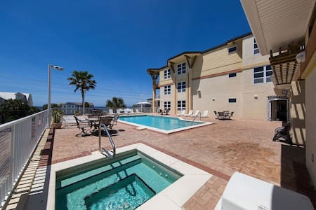 Reduced spring rates...book now!! - Mexico Beach