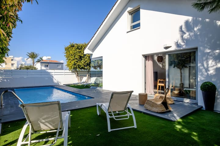 The Lighthouse Villa   2 BDR   Private Pool   #4