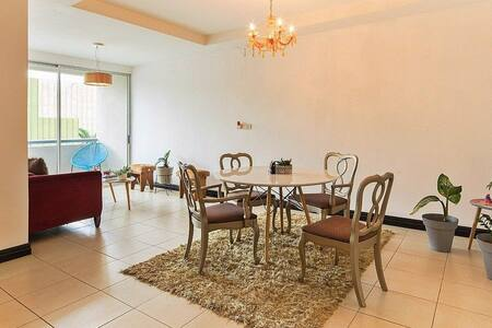 Stylish apartment near business areas and airport