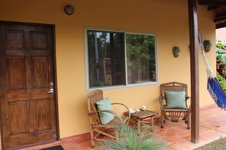 Two bdrm home sleeps 5 in Pedasi on quiet street