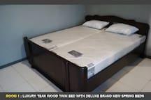 nice clean beds