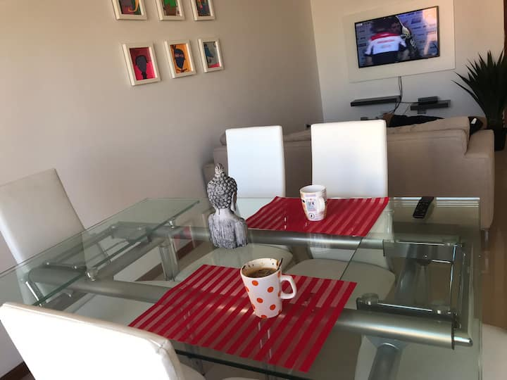 Marvelous mew apartment in Rosario city. Very safe area. Near Oroño Blvd. Good transportation. Big spaces. Natural light. Front balcony. Garage. Very confortable NO SMOKING APPARTMENT