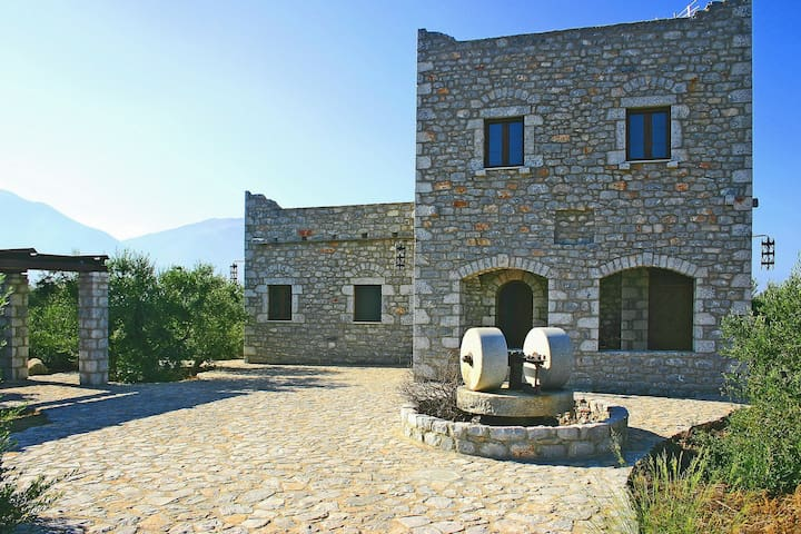 villa in Mani - Peloponnese - Charouda - House