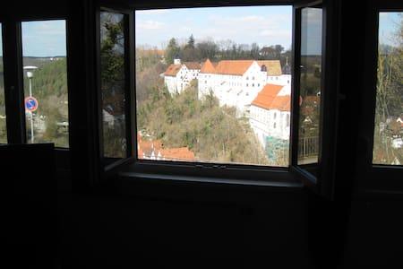 Großzügige Fewo mit Eyachtalblick - Haigerloch - Διαμέρισμα