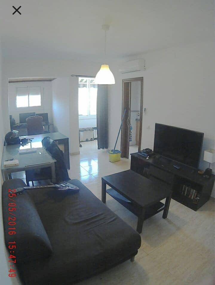 Habitación privada y piso compartido