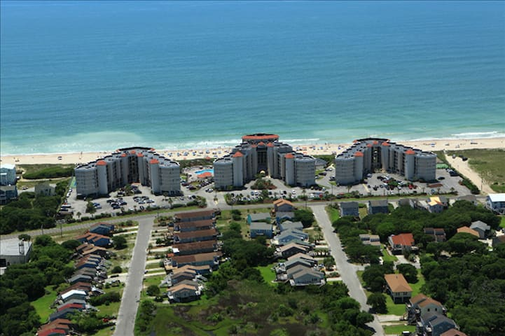 Charming Oceanfront Condo at North Topsail Island!