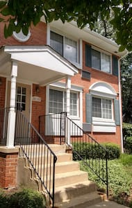 Beautiful 1 BD 1 BH Home Away From Home