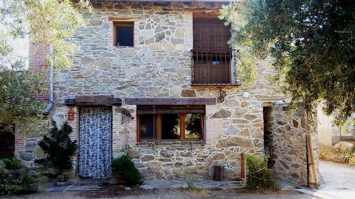 Casa bioclimatica en la sierra de San Vicente.