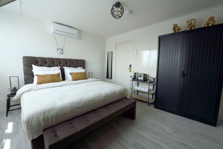 Milo Room