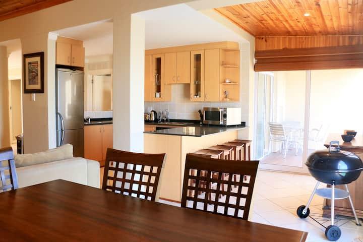 Quarter Deck 8 | Luxury Apartment with Views