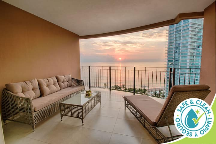 Ocean View Condo @ Grand Venetian | Pools, Gym