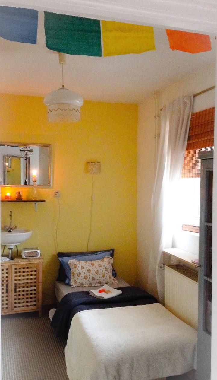Charmantes Zimmer frei in historischem Viertel