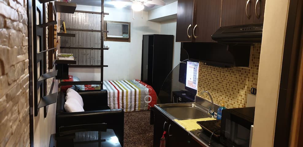 Fully Furnished Unit w/ 25mbps WiFi & Cable TV