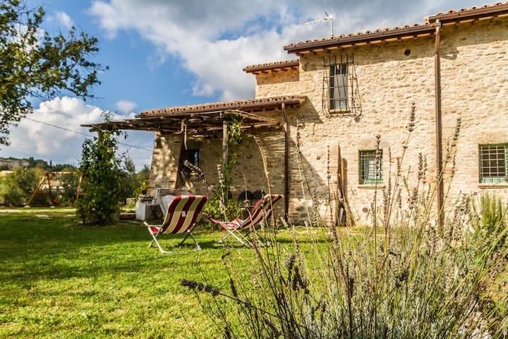 Il Colle sulla Flaminia - Casa vacanze Todi - Todi - Byt