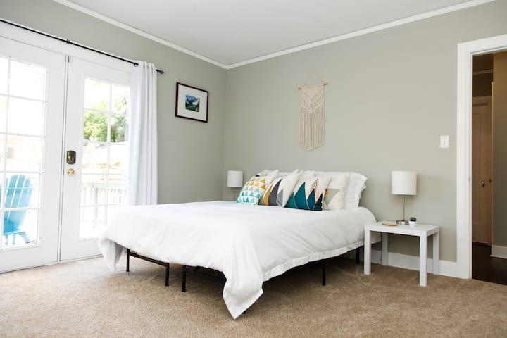 Cozy & Charming Irvington Suite!