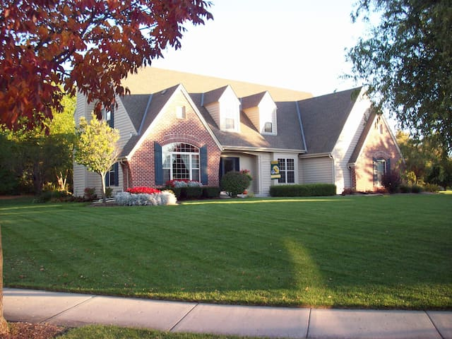 U.S. Open / Erin Hills HOME RENTAL, 4 Bed/4.5 Bath - Waukesha