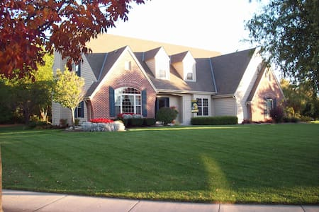 U.S. Open / Erin Hills HOME RENTAL, 4 Bed/4.5 Bath - Waukesha - House