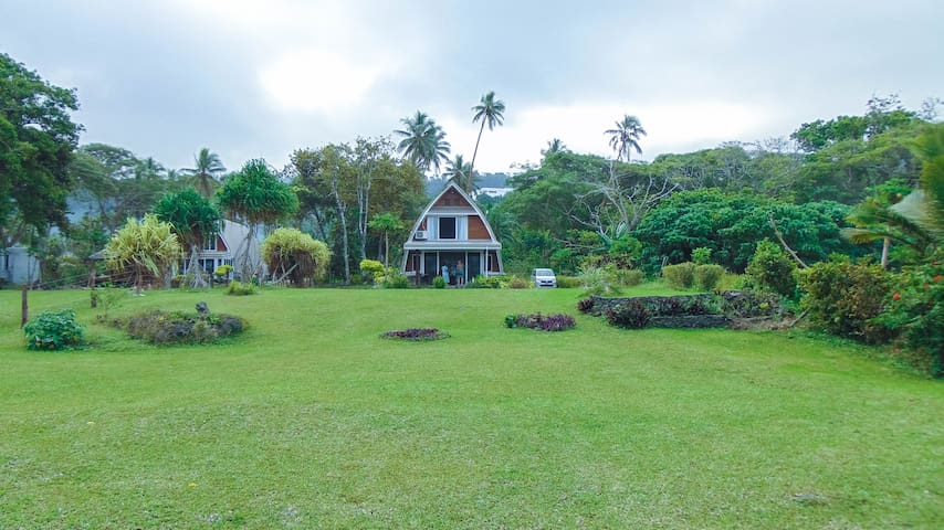 Villa Belle - Affordable Waterfront Family Home