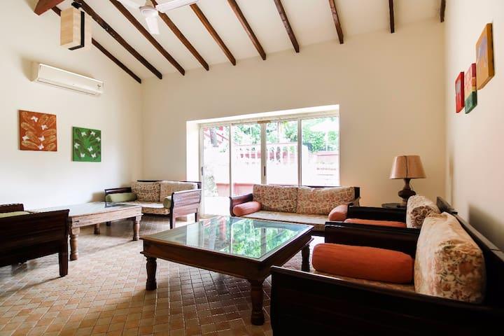 Candolim Nirvana 5 BHK Villa w Pvt Pool & Caretker