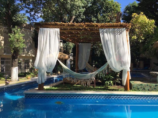 3-FLOOR HOUSE. SWIMMING POOL. EXCELENT LOCATED. - Cancún
