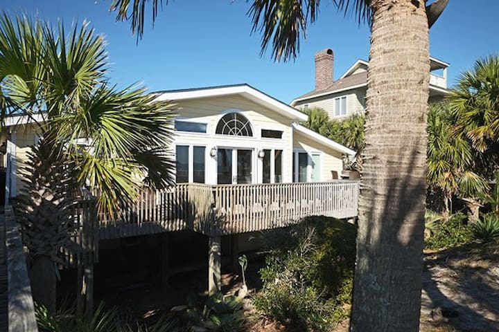 North Litchfield 1020 - 6BR Oceanfront House - Pawleys Island - Rumah