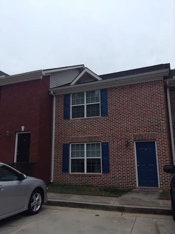 1BR/1BA in Dahlonega Square, walk to UNG - Dahlonega - Flat