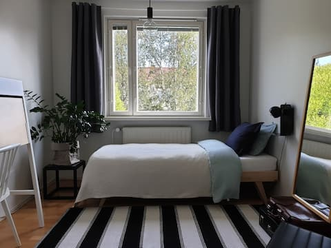 Guest room in the charming Karjasilta area in Oulu