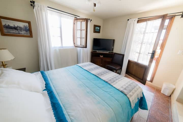 Queen Room Suite