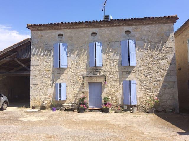 Chambre double à Magnas en Lomagne, Gers