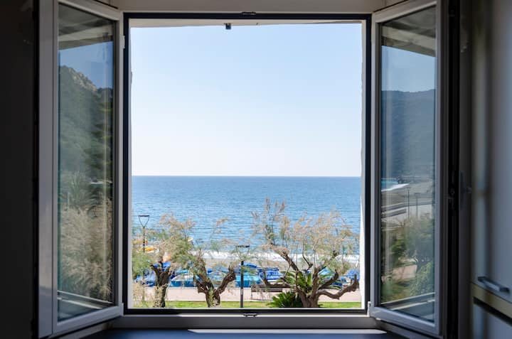 Altido Sea View Home in Riva Trigoso