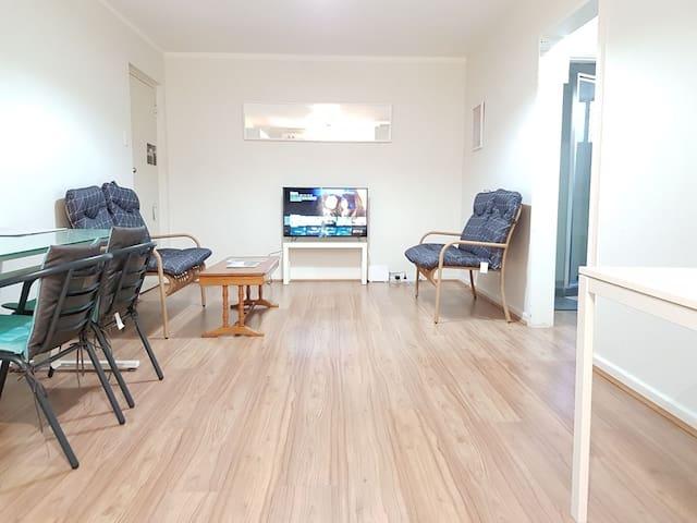 2 Bedroom 1 Bath Apartment close to Perth Maylands